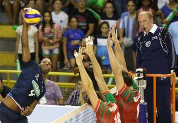 O cubano Leal foi o maior pontuador do jogo. Crédito: FIVB