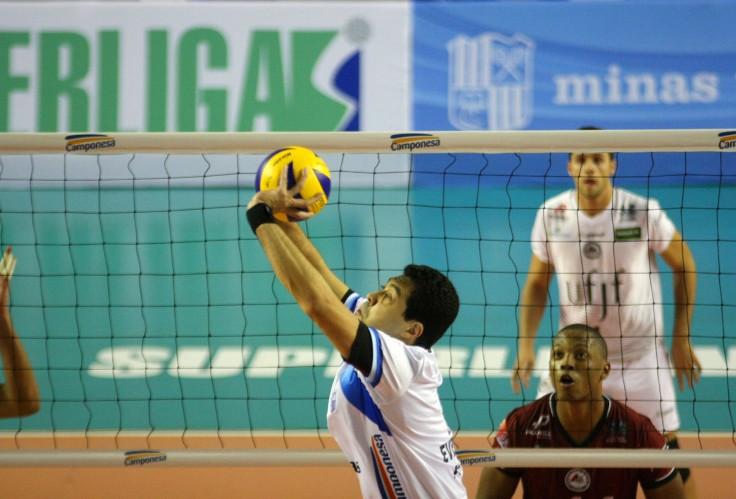 ___  Jogando na Arena Minas, os donos da casa levaram a melhor por 3 sets a 1. Foto: ALexandre Arruda ( CBV) Foto;