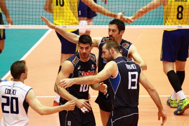 Italianos levaram a melhor na segunda partida (Foto: FIVb)