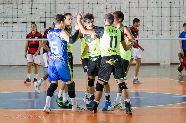 - Com arquibancadas lotadas, UFJF vence amistoso contra Flamengo. ( Foto: Lucilia Bortone/ Sacandoovole.com)