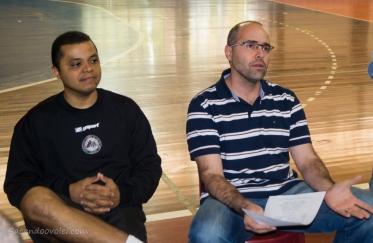 Alessando Fadul (esquerda) continua no comando da equipe (Foto: Lucilia Bortone/Sacandoovolei)