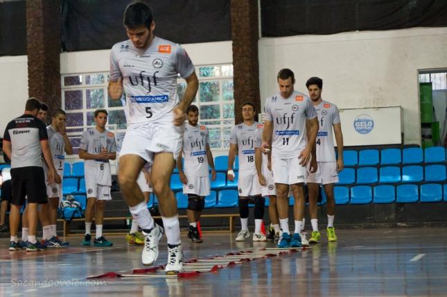 Atletas participaram do primeiro treino oficial (Foto: Lucilia Bortone/Sacandoovolei)