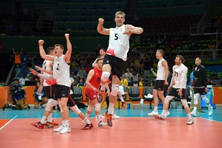 Rudy Verhoeff of Canada celebrate